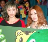 映画『しまじろうと フフの だいぼうけん』初日舞台あいさつに登場したPUFFYの(左から)吉村由美と大貫亜美 (C)ORICON DD inc.