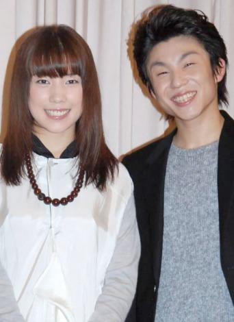 サムネイル 結婚することを発表した仲里依紗と中尾明慶 (C)ORICON DD inc.