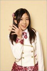 中学卒業とともにNMB48からも卒業する篠原栞那(写真は唯一選抜入りした2011年7月発売のデビュー曲インタビュー時)