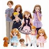 """どこまで知ってる? """"お人形遊び""""の代表的な玩具として、親しまれ続ける「リカちゃん」とその家族たち (C)TOMY"""