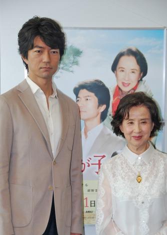 (左)仲村トオルと八千草薫=『母。我が子へ』 (C)ORICON DD inc.
