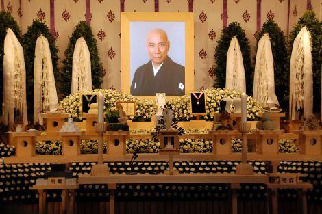 歌舞伎俳優・市川團十郎さんの本葬で飾られた祭壇の様子 (C)ORICON DD inc.