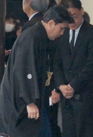 歌舞伎俳優・市川團十郎さんの本葬に参列した松本幸四郎 (C)ORICON DD inc.