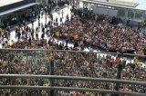 7000人がつめかけた博多駅前広場