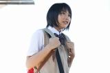NHK連続テレビ小説『あまちゃん』第1週より 母と東京から岩手の北三陸にやってきたアキ(C)NHK