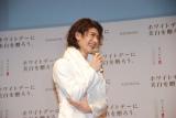 全身白の衣装で登場した三浦春馬 (C)ORICON DD inc.