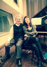 旧知のジャズピアニスト・山下洋輔とセッションでレコーディングした高岡早紀 (C)Maria
