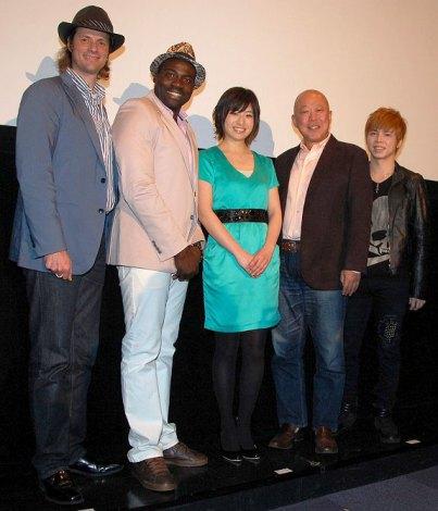 映画『MOON DREAM』の製作発表会に出席した(左から)セイン・カミュ、ボビー・オロゴン、南沢奈央、六平直政、GUYZ (C)ORICON NewS inc.