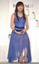 深い青のドレスに身を包んだ川口春奈 (C)ORICON NewS inc.