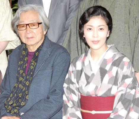 (左から)山田洋次監督と松たか子=映画『小さいおうち』製作記者会見  (C)ORICON NewS inc.