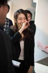 """『ワンダ モーニングショット』新CM""""朝の元気篇""""メイキングカット"""