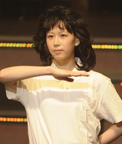 「あたりまえ体操AKBバージョン」を初披露したAKB48・大家志津香=『AKB48 リクエストアワーセットリストベスト100 2013』初日公演 (撮影:鈴木かずなり)
