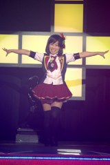 ライブイベント『AKB48 リクエストアワーセットリストベスト100 2013』の3日目公演に登場したキンタロー。 (撮影:鈴木かずなり)