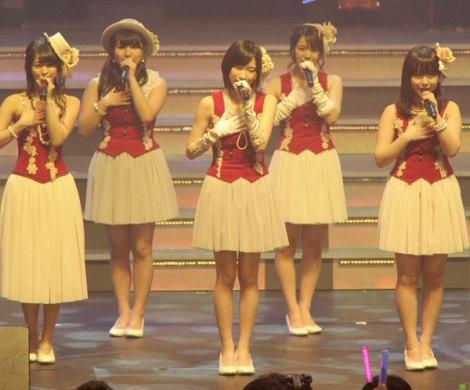 今春グループから卒業するSKE48の矢神久美、小木曽汐莉らが新曲「それを青春と呼ぶ日」を初披露 (撮影:鈴木かずなり)