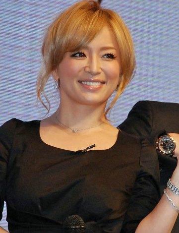 最新アルバム『LOVE again』発売記念イベントを行った浜崎あゆみ (C)ORICON DD inc.