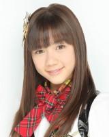 『タンスのゲン』の新CMに出演するHKT48の村重杏奈