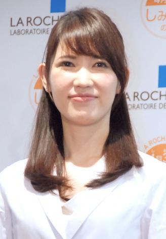 『しみゼロの記念日 ラ ロッシュ ポゼ Suhada Beauty Award 2013』授賞式に出席した皮膚科医・友利新 (C)ORICON NewS inc.