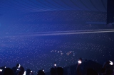 SEKAI NO OWARIは2月22日、23日に開催した東京・国立代々木競技場第一体育館公演で「シンクロ」を使用。「虹色の戦争」では会場を七色に彩った