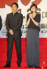 映画『藁の楯』プレミア試写会に出席した(左から)大沢たかお、松嶋菜々子 (C)ORICON NewS inc.