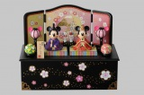 TDL、TDSで販売している、ミッキーマウス&ミニーマウスのひな人形 (C)Disney (C)2013 Lucasfilm Ltd.&TM.