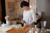 原作・群ようこ、主演・小林聡美の懐かしい組み合わせで『パンとスープとネコ日和』オープンドラマ化(C)WOWOW