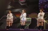 一番最初に振付のレッスンをしたのは「毒リンゴを食べさせて」だったと回顧した板野友美〜『思い出せる君たちへ〜AKB48グループ全公演〜』初日のA1st「PARTYが始まるよ」より (C)AKS