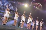 EN3「桜の花びらたち」〜『思い出せる君たちへ〜AKB48グループ全公演〜』初日のA1st「PARTYが始まるよ」より (C)AKS