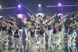 デビュー曲「スキ!スキ!スキップ!」をハツラツと歌った〜『AKBグループ臨時総会〜白黒つけようじゃないか!〜』3日目昼公演より(C)AKS