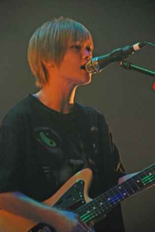 """4人組ロックバンド「FLOWER FLOWER」で活動を再開した""""yui""""=ロックフェス『Japan Jam 2013』 (C)ORICON NewS inc."""