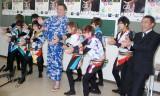 風男塾と白鵬(写真中央)とはなわ(左)=風男塾「RIKISHI-MAN」日本相撲協会初応援ソングの認定式 (C)ORICON NewS inc.
