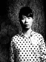 藤井隆が6年ぶり新曲MVを公開
