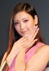 ピンクコーディネートで登場した菜々緒 (C)ORICON NewS inc.