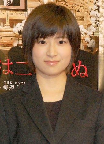 遺影がデジタルフォトフレームであったことに驚いていた南沢奈央=NHK『お父さんは二度死ぬ』完成試写会 (C)ORICON NewS inc.