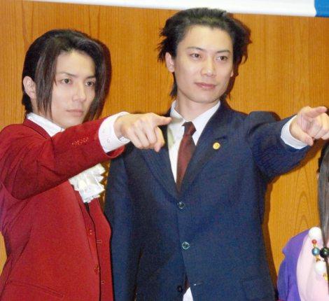 舞台『逆転裁判』制作発表会見に出席した(左から)和田琢磨、兼崎健太郎 (C)ORICON NewS inc.