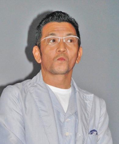 映画『二代目はニューハーフ』の初日舞台あいさつに登壇した中野英雄 (C)ORICON NewS inc.