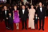 (左から)リリー・フランキー、黄升�R、真木よう子、是枝裕和監督、尾野真千子、二宮慶多、福山雅治(C)2013『そして父になる』製作委員会