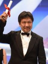 『第66回カンヌ国際映画祭』授賞式に出席した是枝裕和監督(C)2013『そして父になる』製作委員会