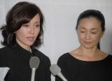 相澤秀禎さんの通夜に参列した(左から)早見優、香坂みゆき (C)ORICON NewS inc.