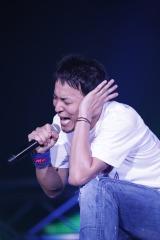 歌い終わるたびに倒れこむほど熱唱したファンキー加藤