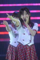 日本武道館で行われた『AKB48グループ研究生コンサート「推しメン早い者勝ち」』に出演したHKT48田島芽瑠(撮影:鈴木かずなり) (C)ORICON NewS inc.