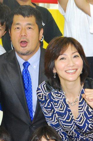『高田道場』をリニューアルした高田延彦(左)と妻の向井亜紀 (C)ORICON NewS inc.