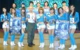 映画『LOOPER/ルーパー』ブルーレイ&DVD応援団就任記者発表会に出席したウェザーガールズとプチ・ブルース (C)ORICON NewS inc.