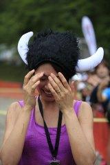 障害物レースの開幕イベントに出席した浅尾美和