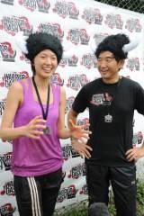障害物レースの開幕イベントに出席した(左から)浅尾美和、石田純一