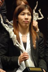 『平成24年度 JOCスポーツ賞』表彰式に出席した吉田沙保里選手 (C)ORICON NewS inc.