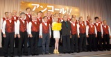 合唱団と共に登場した(写真中央左から)水沢アリーと中尾彬=映画『アンコール!!』公開直前イベント (C)ORICON NewS inc.