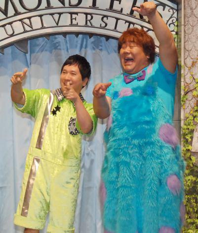 サリー&マイクの声優を務めた(左から)田中裕二、石塚英彦