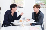 フジテレビ系ドラマ『サキ』に急きょエキストラ出演する東方神起(左から)チャンミン、ユンホ (C)関西テレビ