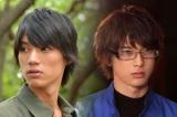 殺人犯として投獄される主人公を演じる福士蒼汰(左)と天才ハッカーを演じる吉沢亮/映画『ぼくが処刑される未来』より