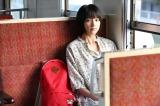 いつもの電車では大人びた表情も見せる能年玲奈